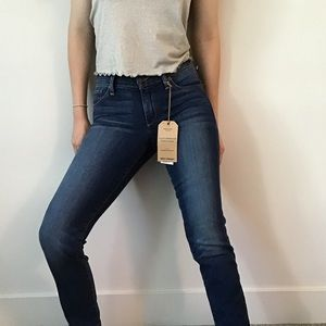🍀 NWT Lucky Brand Sweet Straight Jeans Size 00/24